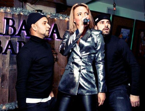 Певица Вика Курзова собрала друзей на презентации нового видео «Крепче» (8 фото с мероприятия) / Страница - 3