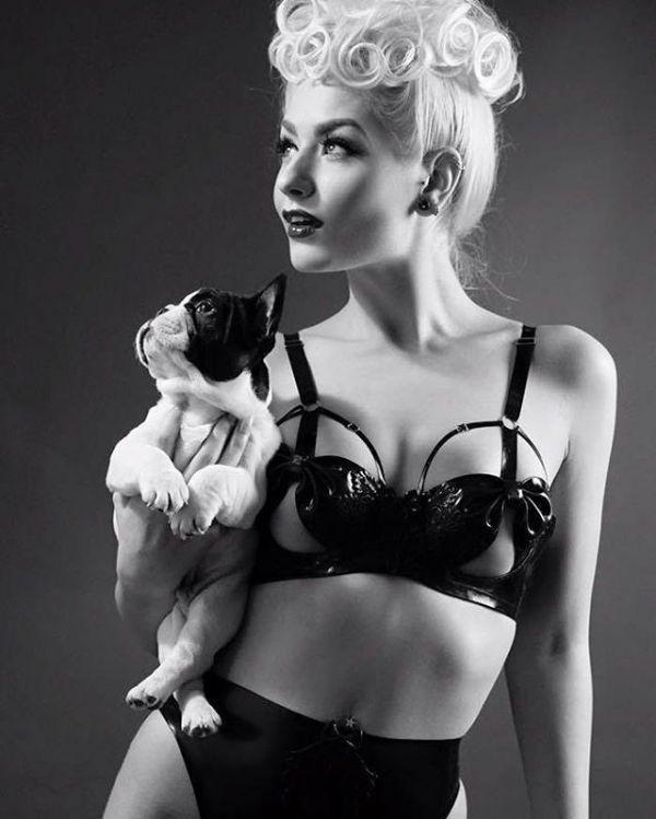 Эльза Поппи Фото - дизайнер нижнего белья, основатель бренда Elissa Poppy Latex Lingerie / Страница - 2