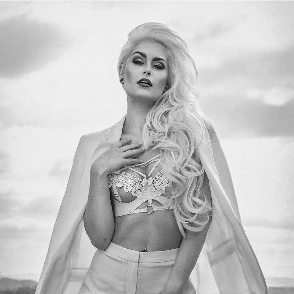 Эльза Поппи Фото - дизайнер нижнего белья, основатель бренда Elissa Poppy Latex Lingerie / Страница - 4