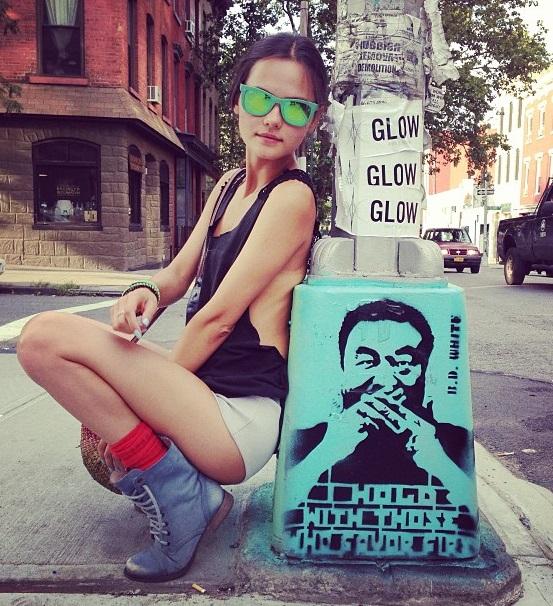 Солистка группы Фабрика Катя Ли прошлась по улицам Нью-Йорка без нижнего белья Звездная жизнь Катя Ли / Страница - 2