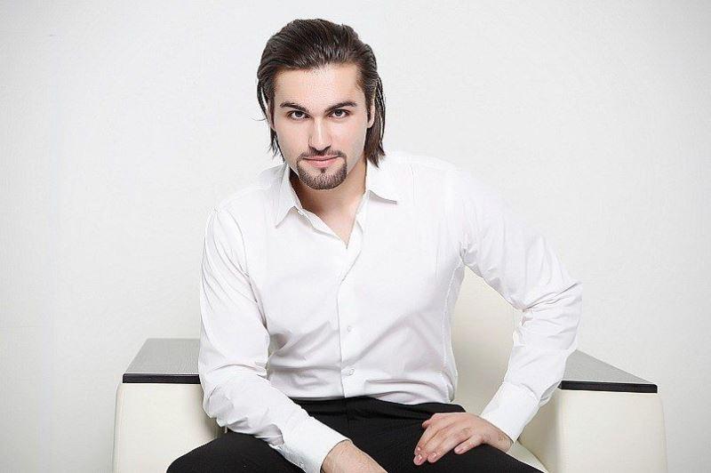 Нодар Ревия Фото (Nodar Reviya Photo) певец из Грузии, участник проекта Голос2