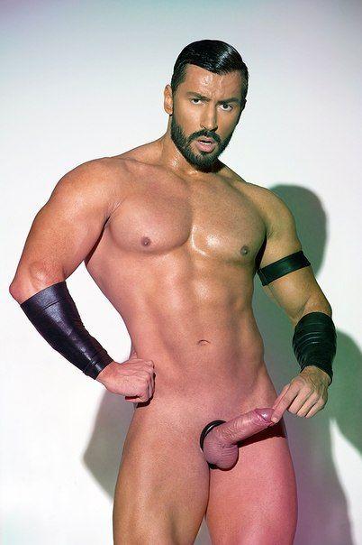 Бородатый голый гей фото