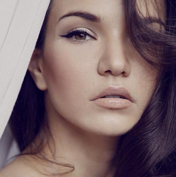 Аделина Шарипова модель Фото / Страница - 1