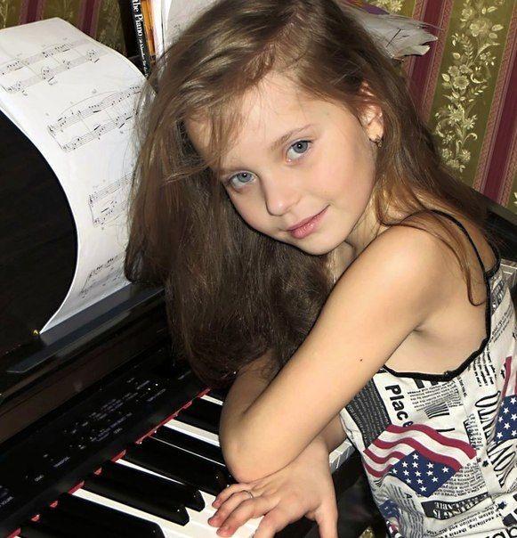 Алиса Кожикина Фото (Alisa Kojikina Photo) победительница проекта Голос.Дети 2014, юная вокалистка, участница проекта Голос / Страница - 56