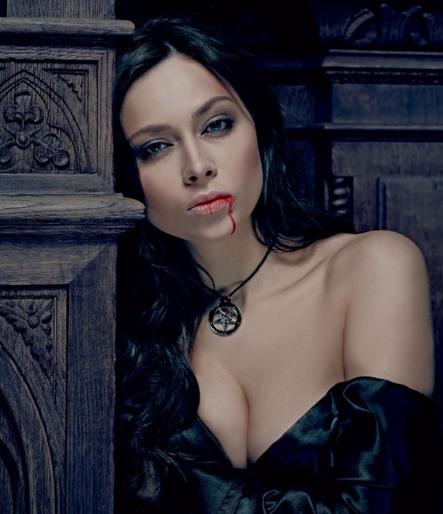 Актриса Настасья Самбурская в журнале Maxim (сентябрь 2013)