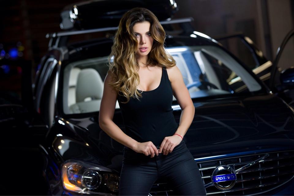Анна Седокова стала обладательницей автомобиля Volvo