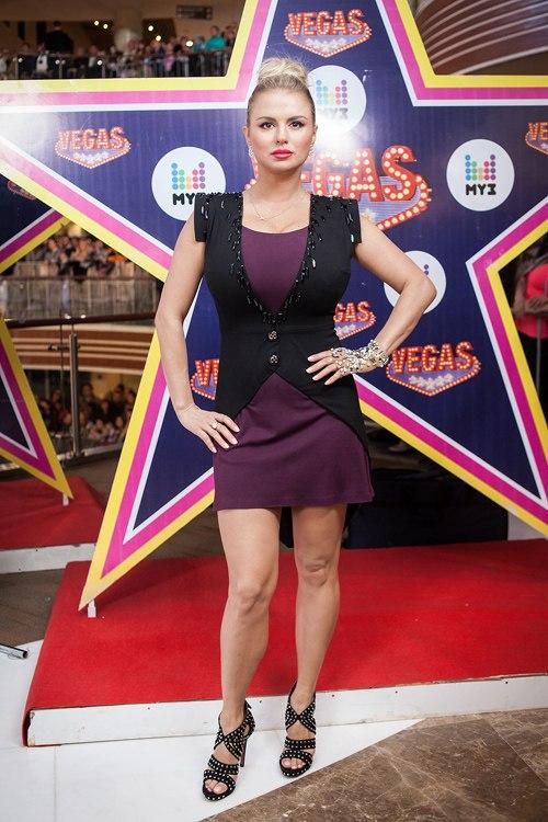 Анна Семенович стала лицом бренда мехов