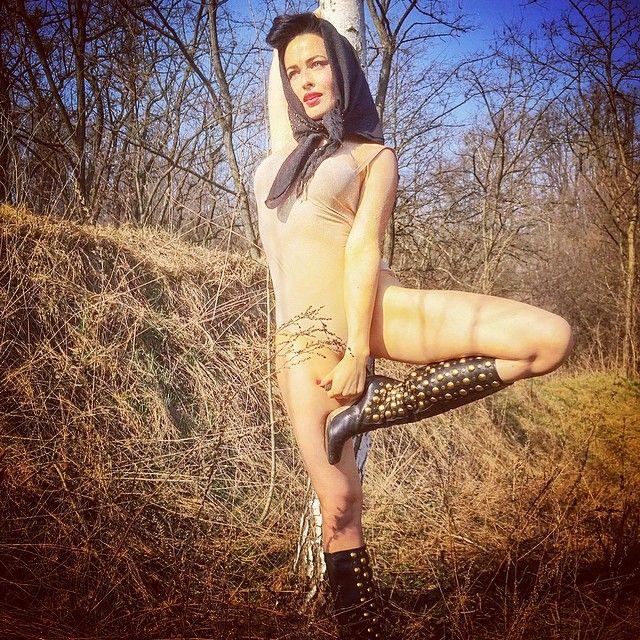 eroticheskoe-foto-moskalenko-dashi