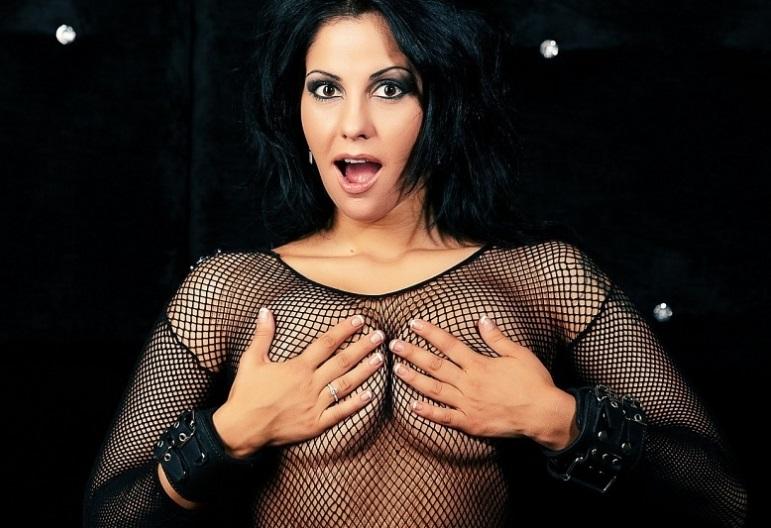 Фото интервью порно актрисы елены берковой фото 519-285