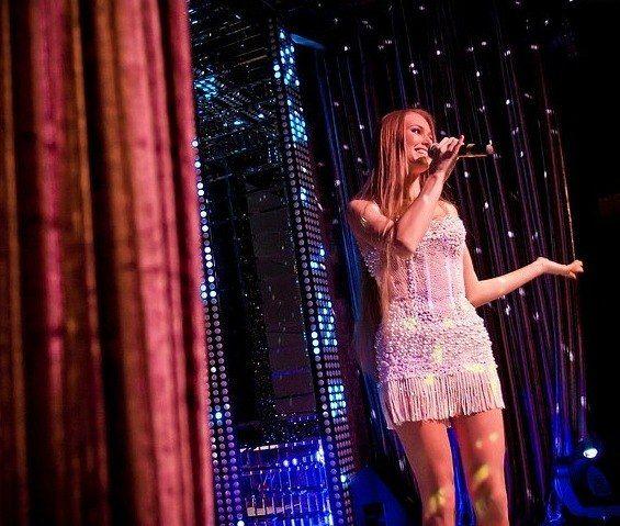 Жемчужина Биография (Jemchujina Biography) русская красавица, певица, телеведущая, модель