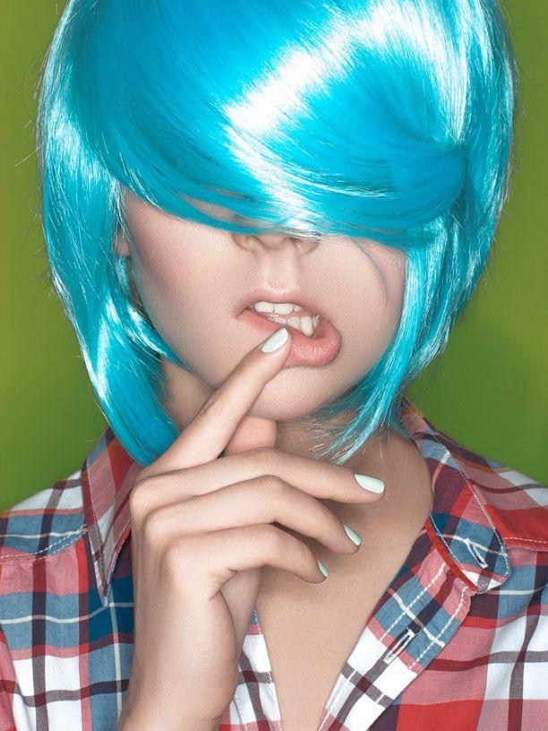 KISA (КИСА) Фото - певица, скрывает лицо за голубыми волосами, париком / Страница - 20