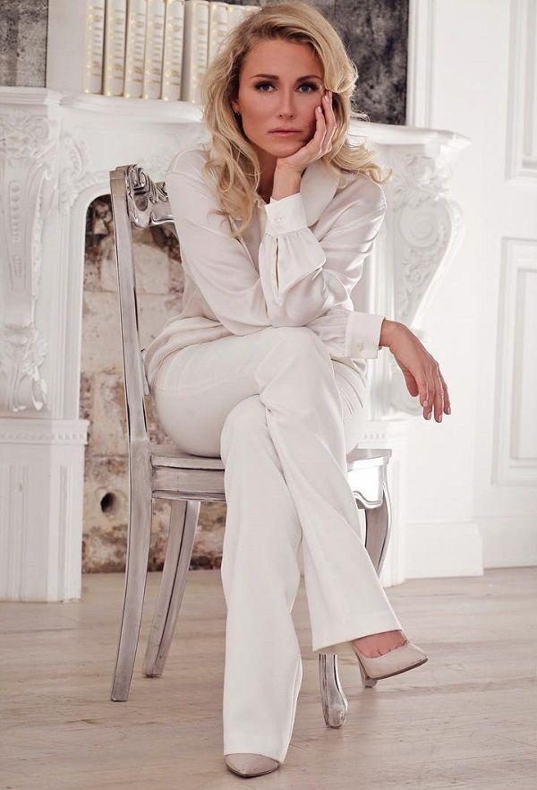 Катя Гордон Фото - певица, адвокат, журналист
