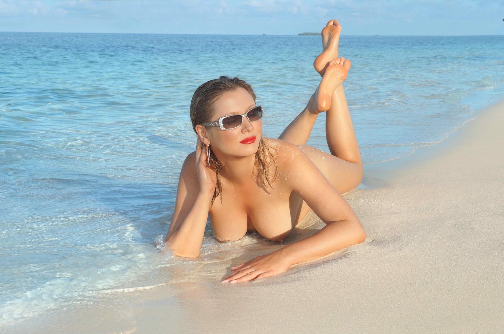 Голые фото на пляже