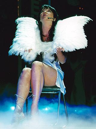Лолита Милявская Фото (Lolita Milyavskaya Photo) российская певица, актриса, участница Кабаре Дуэт Академия с Александром Цекало