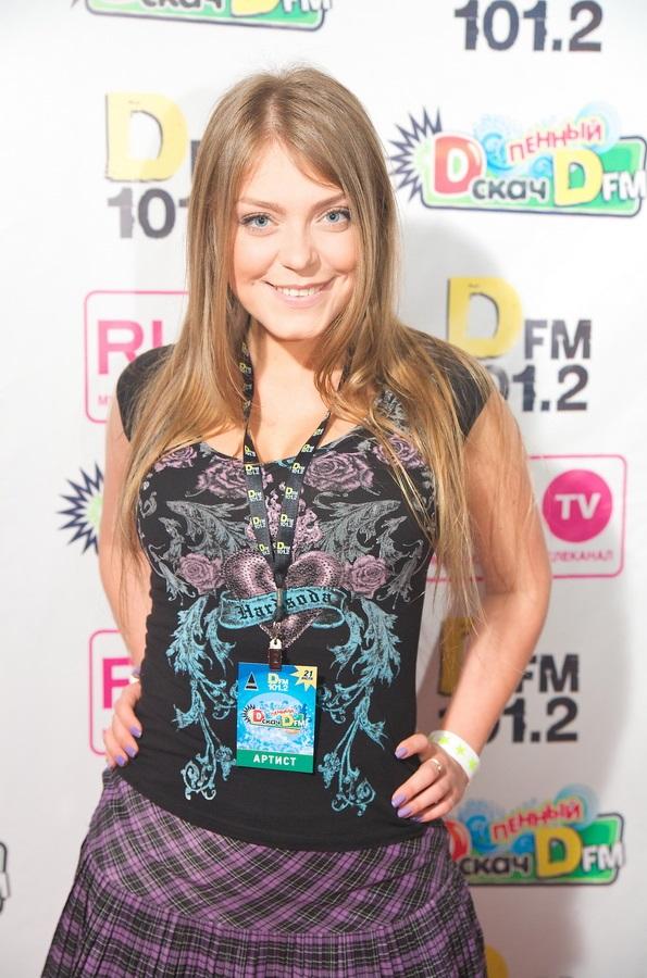 Акула Оксана Почепа Фото (Oksana Pochepa Photo) русская певица