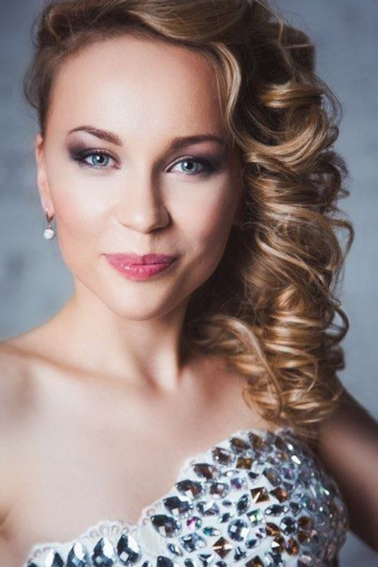 Ольга Брагина Биография (Olga Bragina Biography) певица, актриса из Екатеринбурга, участница проекта Голос2