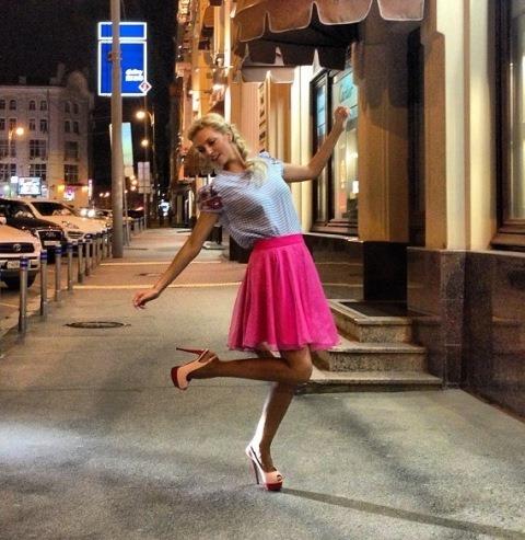 Саша Савельева в образе девушки-стиляги из 50-ых годов Саша Савельева Фото (Sasha Saveleva Photo) русская певица, солистка группы Фабрика