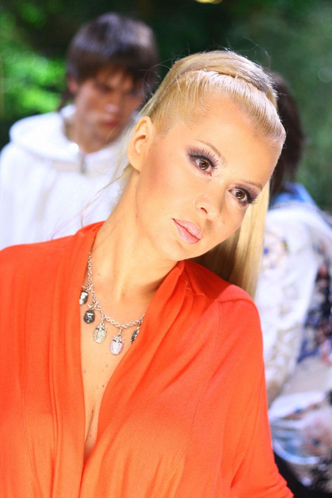 Sexy Liya Секси Лия Биография (Секси Лия) русская певица, диджей радио Next, ведущая программы «Сhill Out»