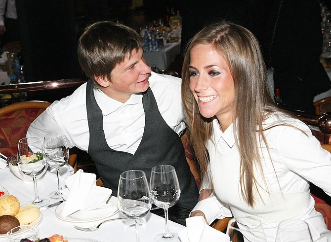 Бывшая жена Аршавина развлекается с актером Андреем Чадовым (ФОТО): Юлия Ба