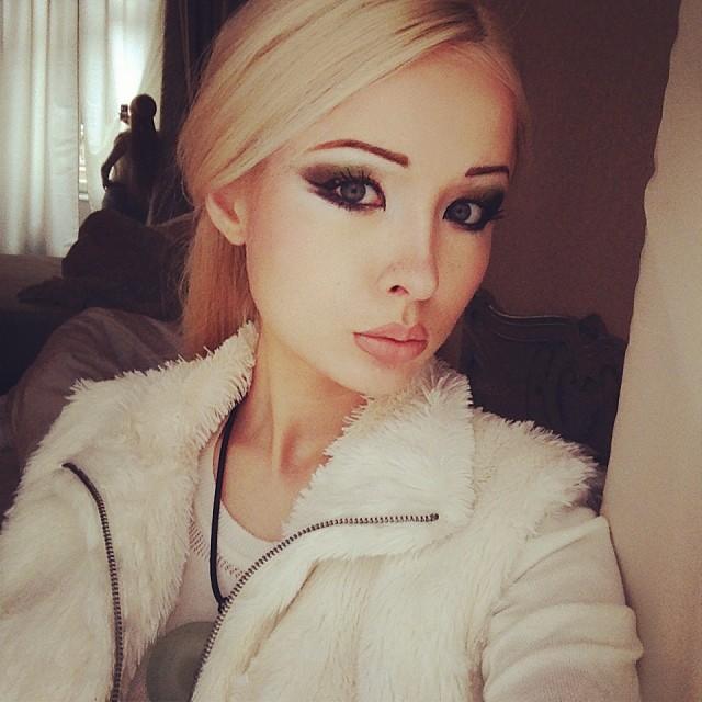 Валерия Лукьянова показала перекаченное тело и лицо без макияжа