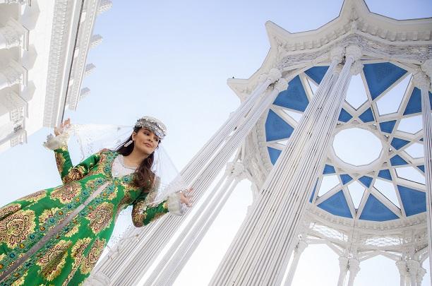 Зара Кинг (Zara King) Фото - модель, ведущая
