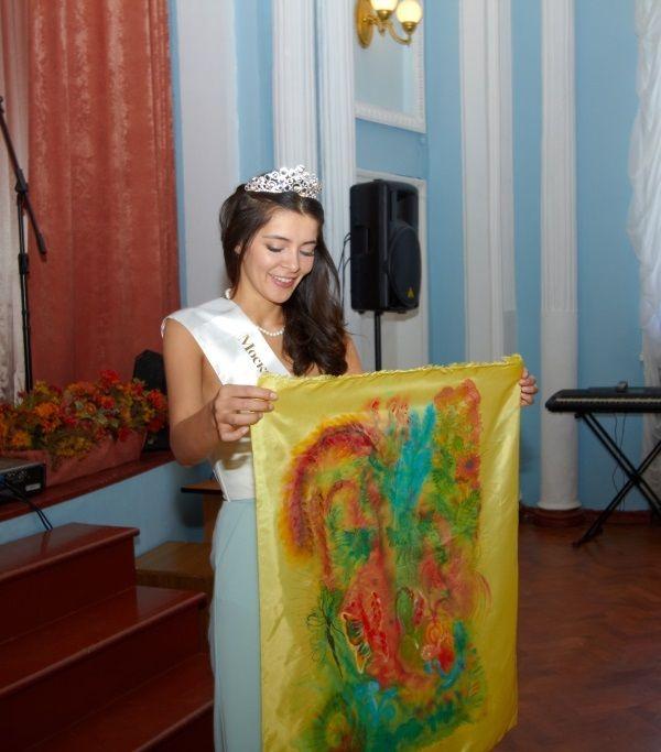 http://www.howstar.ru/i/womenrus/ZarinaKirgizova/ZarinaKirgizova9984.jpg