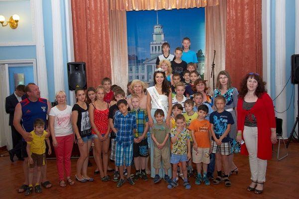 http://www.howstar.ru/i/womenrus/ZarinaKirgizova/ZarinaKirgizova9986.jpg