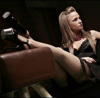 seksualnie-fotki-mariya-strizhenova