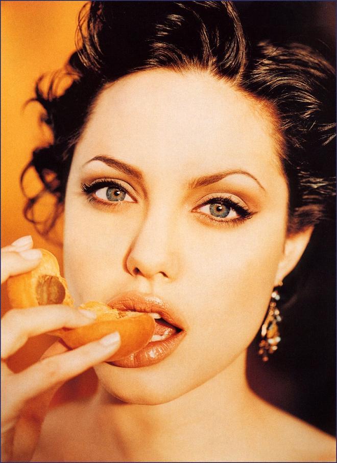 Angelina Jolie Photo (Анджелина Джоли Фото) голливудская актриса, самая красивая женщина в мире, жена Бреда Питта / Страница - 62