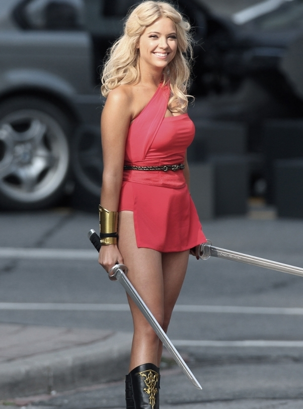Ashley Benson (Эшли Бенсон) Фото - американская актриса / Страница - 1