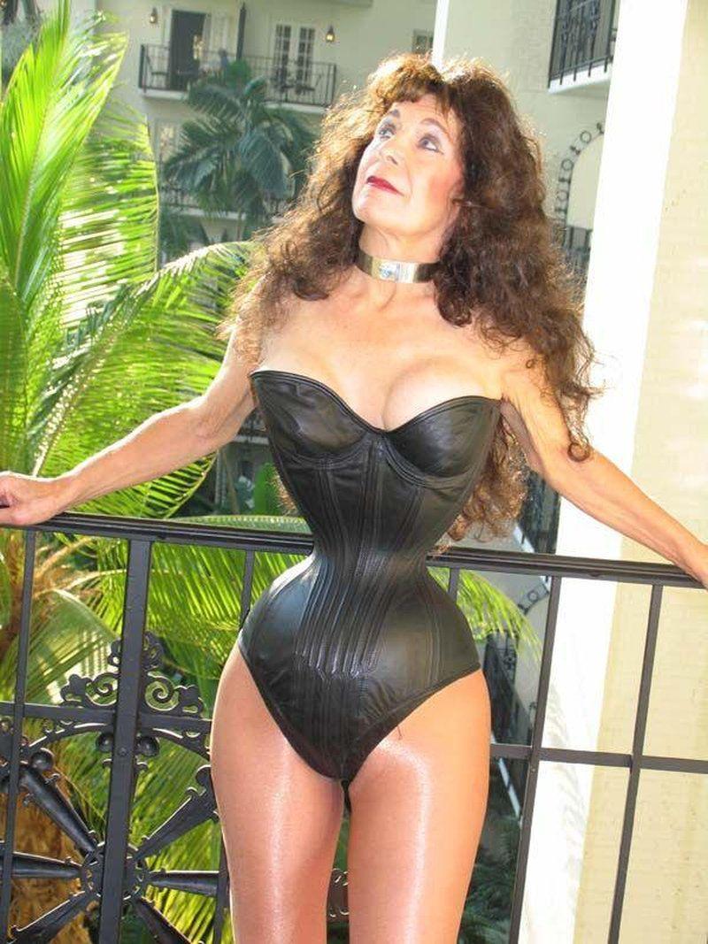 Самая волосатая грудь у женщин 19 фотография