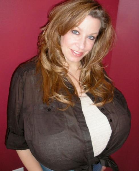 Chelsea Charms Biography (Челси Чармс Биография) американская порноактриса, модель, стриптизёрша