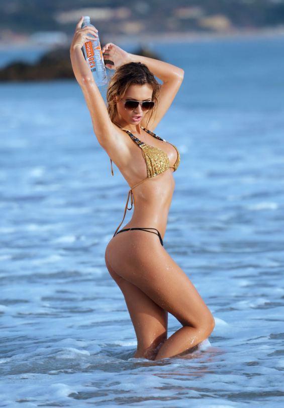 Эла Роуз показала роскошное тело в фотосессии 138 water