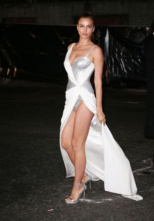 Ирина Шейк (Irina Shayk) Фото - модель, невеста Брэдли Купера / Страница - 1