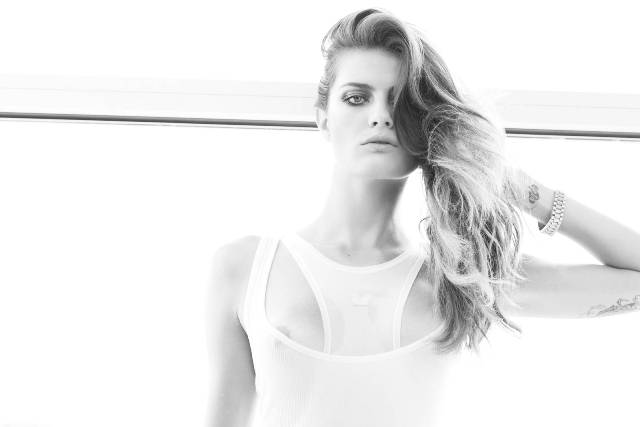 Isabeli Fontana Photo (Изабели Фонтана Фото) модель / Страница - 1
