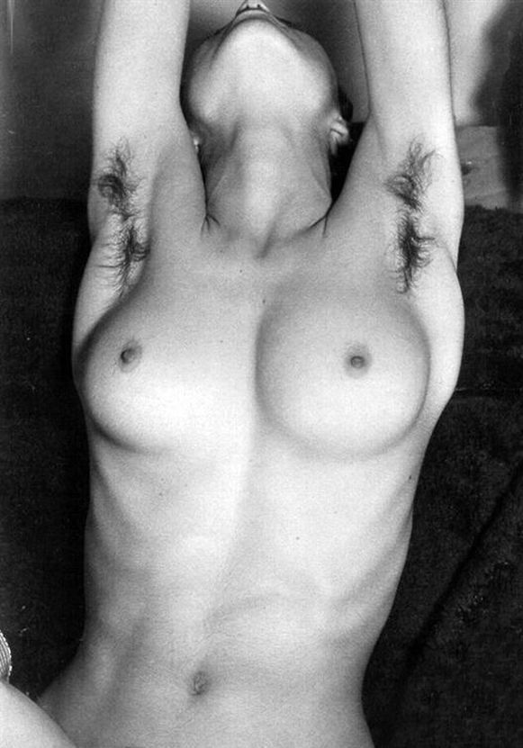 В сети появились редкие фотографии молодой Мадонны