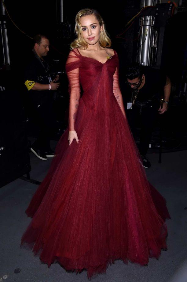 Майли Сайрус (Miley Cyrus) Фото - американская актриса и певица / Страница - 2