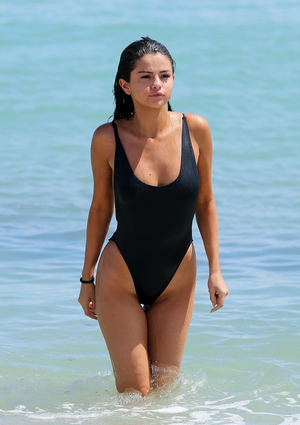 Selena Gomez Photo (Селена Гомез Гомес Фото) американская певица / Страница - 1