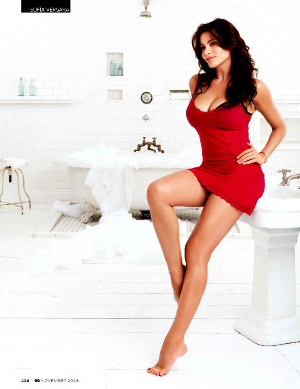 София Вергара показала, как должна выглядеть настоящая домохозяйка в GQ Индия