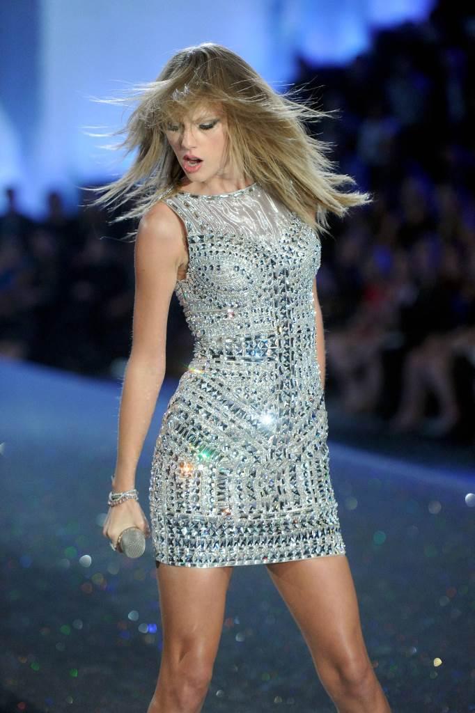 Тейлор Свифт на Victoria's Secret Fashion Show