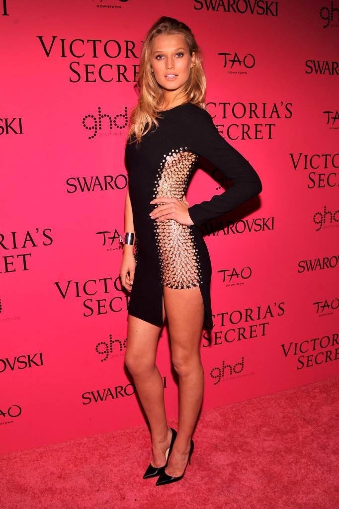 Сексапильное платье Тони Гаррн для Victorias Secret Fashion Show (Afterparty)