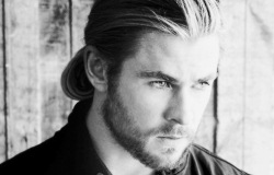 Chris Hemsworth Biography (Крис Хемсворт Биография) актер